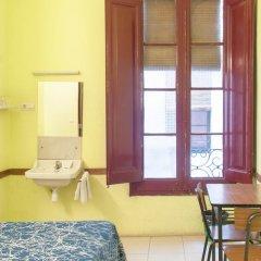 Отель Hostal Nilo Стандартный номер с различными типами кроватей (общая ванная комната) фото 2