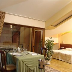National Palace Hotel 4* Люкс повышенной комфортности разные типы кроватей фото 2