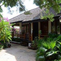 Thazin Garden Hotel 3* Номер Делюкс с различными типами кроватей фото 2