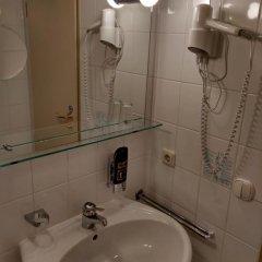 Hotel Blutenburg 2* Стандартный номер с различными типами кроватей фото 11