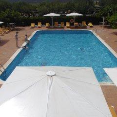 Отель Mas Torrellas Испания, Санта-Кристина-де-Аро - отзывы, цены и фото номеров - забронировать отель Mas Torrellas онлайн бассейн фото 3