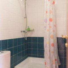 Аскет Отель на Комсомольской 3* Бюджетный двухместный номер с двуспальной кроватью и общей ванной с двуспальной кроватью фото 16