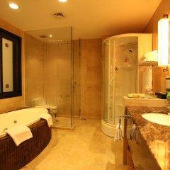 Dong Fang Hotel 4* Номер Делюкс с различными типами кроватей фото 3