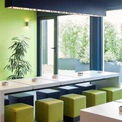 Отель Ibis Budget Madrid Calle 30 Испания, Мадрид - отзывы, цены и фото номеров - забронировать отель Ibis Budget Madrid Calle 30 онлайн гостиничный бар
