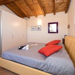 Отель Borgo Del Torchio B1 Манерба-дель-Гарда комната для гостей фото 2