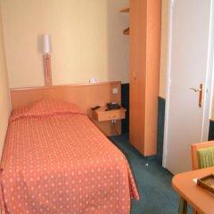 Отель La Grande Cloche 3* Стандартный номер фото 8