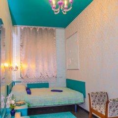 Мини-отель Pro100Piter Стандартный семейный номер с разными типами кроватей (общая ванная комната) фото 3
