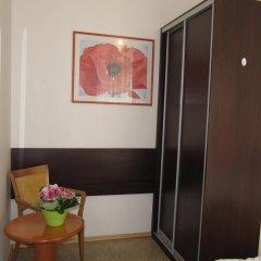 Hotel Jana / Pension Domov Mladeze Стандартный номер с двуспальной кроватью (общая ванная комната) фото 2