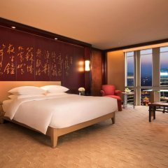 Отель Grand Hyatt Shanghai Номер категории Премиум с различными типами кроватей фото 2