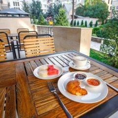 Отель Solutel Hotel Кыргызстан, Бишкек - 1 отзыв об отеле, цены и фото номеров - забронировать отель Solutel Hotel онлайн балкон