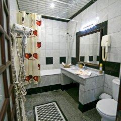 Гостиница Маяк в Сочи отзывы, цены и фото номеров - забронировать гостиницу Маяк онлайн ванная