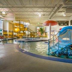 Отель Deerfoot Inn & Casino Канада, Калгари - отзывы, цены и фото номеров - забронировать отель Deerfoot Inn & Casino онлайн бассейн