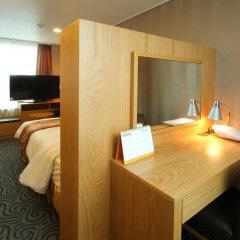 Hotel Atrium 3* Улучшенный номер с двуспальной кроватью фото 3
