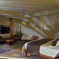 Отель Trou aux Biches Beachcomber Golf Resort & Spa 5* Люкс с различными типами кроватей фото 6