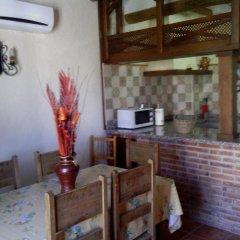 Отель Casa Rural Apartamento El Lebrillero Захара в номере