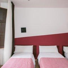 Отель Hostal La Casa de La Plaza Стандартный номер с различными типами кроватей