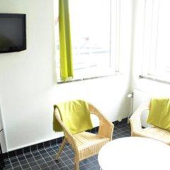 Отель STF Livin Hotel - Sweden Hotels Швеция, Эребру - отзывы, цены и фото номеров - забронировать отель STF Livin Hotel - Sweden Hotels онлайн удобства в номере фото 2