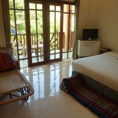 Отель Sun Smile Lodge Koh Tao Таиланд, Остров Тау - отзывы, цены и фото номеров - забронировать отель Sun Smile Lodge Koh Tao онлайн комната для гостей фото 2