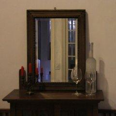 Отель Chez Pham District 3 French Villa удобства в номере