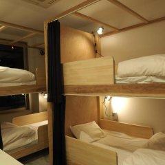 & And Hostel Кровать в общем номере