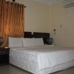 Отель Tyndale Residence Ltd 3* Номер Делюкс с двуспальной кроватью