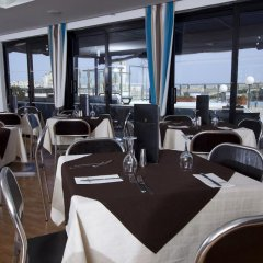 115 The Strand Hotel and Suites питание