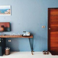 Отель In Touch Resort Таиланд, Мэй-Хаад-Бэй - отзывы, цены и фото номеров - забронировать отель In Touch Resort онлайн удобства в номере фото 2