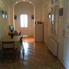 Апартаменты Caterina Private Rooms and Apartments Стандартный номер с различными типами кроватей (общая ванная комната) фото 4