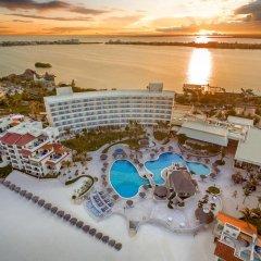 Отель Grand Park Royal Luxury Resort Cancun Caribe Мексика, Канкун - 3 отзыва об отеле, цены и фото номеров - забронировать отель Grand Park Royal Luxury Resort Cancun Caribe онлайн пляж фото 4