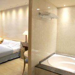 Отель Apartamentos DV Испания, Барселона - отзывы, цены и фото номеров - забронировать отель Apartamentos DV онлайн ванная фото 2