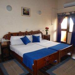 Отель Almond Tree Guest House 3* Номер Делюкс с 2 отдельными кроватями