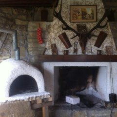 """Отель Toncho""""s Guest House & Mehana Велико Тырново интерьер отеля фото 2"""