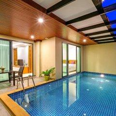 Отель At The Tree Condominium Phuket бассейн