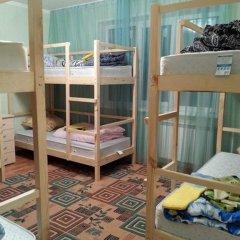 Хостел ПанДа на Взлетке Кровать в общем номере с двухъярусной кроватью