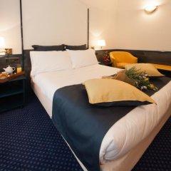 Отель IH Hotels Milano Ambasciatori 4* Улучшенный номер с различными типами кроватей