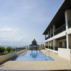 Отель R-Con Sea Terrace Паттайя бассейн