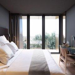 Отель At Six 5* Номер Делюкс с различными типами кроватей