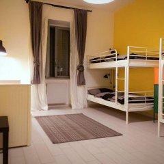 Отель Overseas Guest House Кровать в женском общем номере с двухъярусной кроватью фото 2