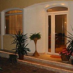 Отель Villa Mediterran Венгрия, Хевиз - 1 отзыв об отеле, цены и фото номеров - забронировать отель Villa Mediterran онлайн вид на фасад фото 2