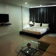 Апартаменты Naiharn Beach Road Apartment комната для гостей фото 5