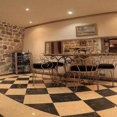 Апартаменты Cattaro Royale Apartment гостиничный бар