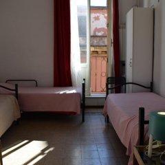Отель Rose Santamaria Residence Кровать в женском общем номере фото 6