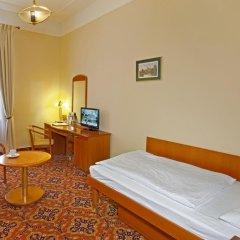 Отель Danubius Health Spa Resort Hvězda-Imperial-Neapol 4* Улучшенный номер с различными типами кроватей фото 2