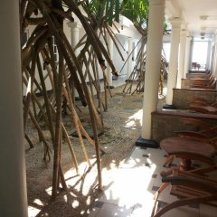 Отель Nippon Villa Beach Resort Хиккадува интерьер отеля фото 2