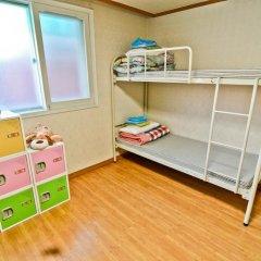 Отель Kimchee Hongdae Guesthouse Кровать в женском общем номере с двухъярусной кроватью фото 5