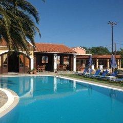 Corfu Perros Hotel бассейн