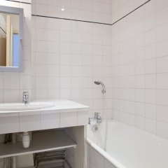 Отель Rambuteau Франция, Париж - отзывы, цены и фото номеров - забронировать отель Rambuteau онлайн ванная