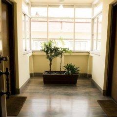 Отель Swayambhu View Guest House Непал, Катманду - отзывы, цены и фото номеров - забронировать отель Swayambhu View Guest House онлайн интерьер отеля фото 2