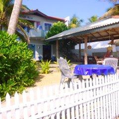 Отель Blue Ocean Villa Хиккадува гостиничный бар