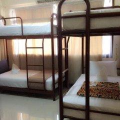 Naturbliss Bangkok Transit Hotel 3* Кровать в общем номере фото 3
